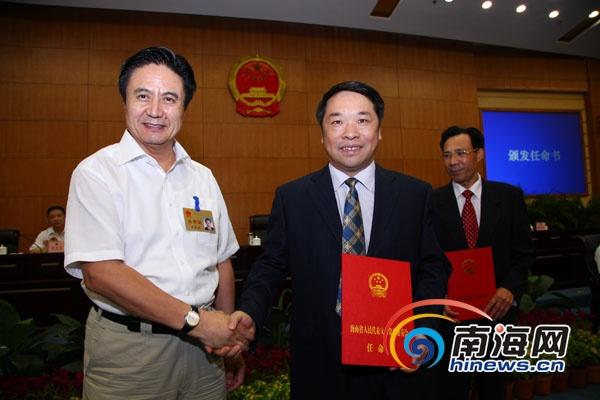 江华安任海南省农业厅厅长(图|简历)_中国经济