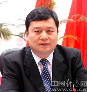 奉海峰任巴马县委书记 覃荣武不再担任(图|简历)