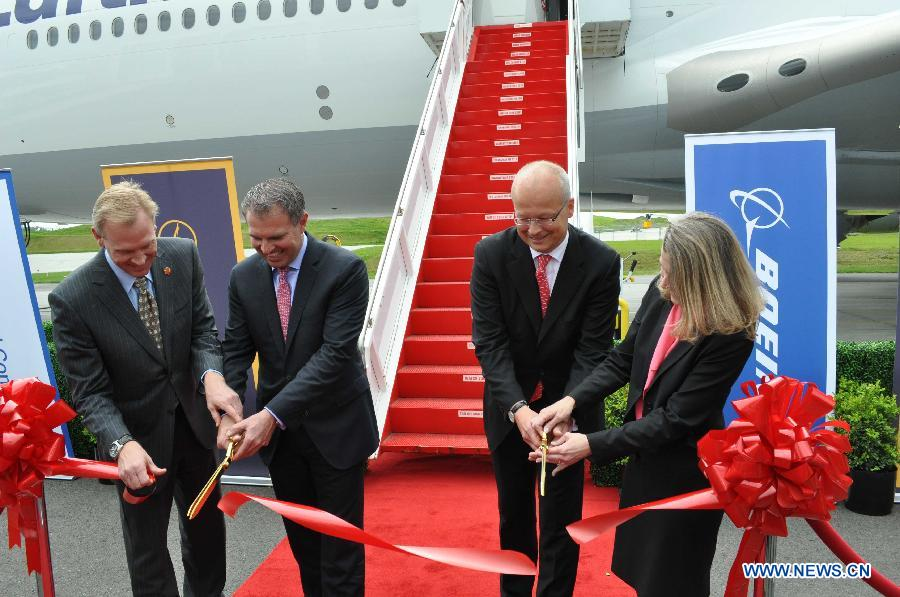 Boeing, Lufthansa celebrate delivery of 747-8 Intercontinental