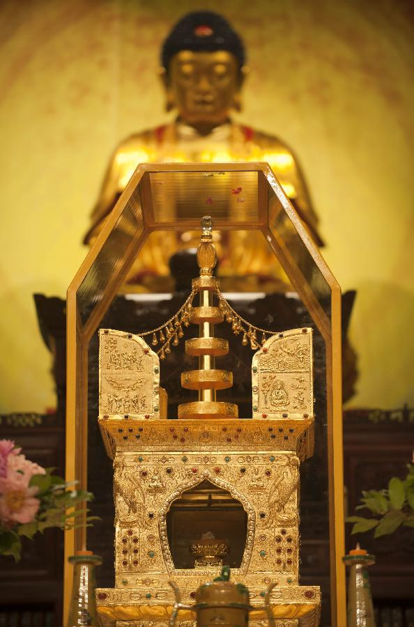 Grand ceremony to worship Buddha's remains held in HK
