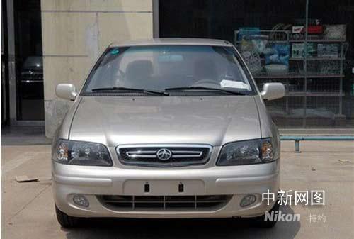 夏利   同样,纵观中国小型车发展史,也有许多破陈出新,刷新