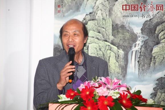 中国孔子国画院院长、著名国画家杜中良致辞 中国经济网记者李冬阳摄